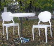 Комплект пластиковых стульев Ронда со столом