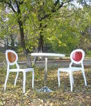 Оригинальные пластиковые стулья Ронда РС со столом