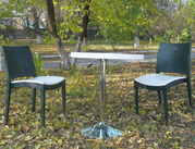 Комплект пластиковых стульев