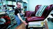 В Польшу на мебельный завод нужны обивщики мебели